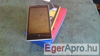 7000 Ft fehér karcmentes Nokia Lumia 520 eladó.